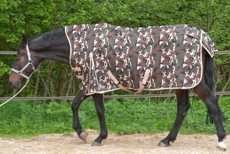 Pferdedecke mit Half-Neck